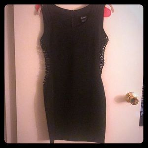 Strappy side dress